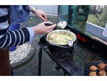 Litinový hrnec Camp Chef 30 cm s poklicí a košem